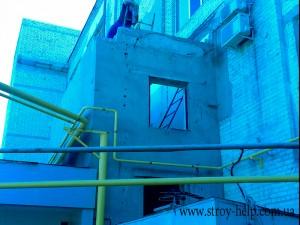 демонтаж блоков и кирпичных стен